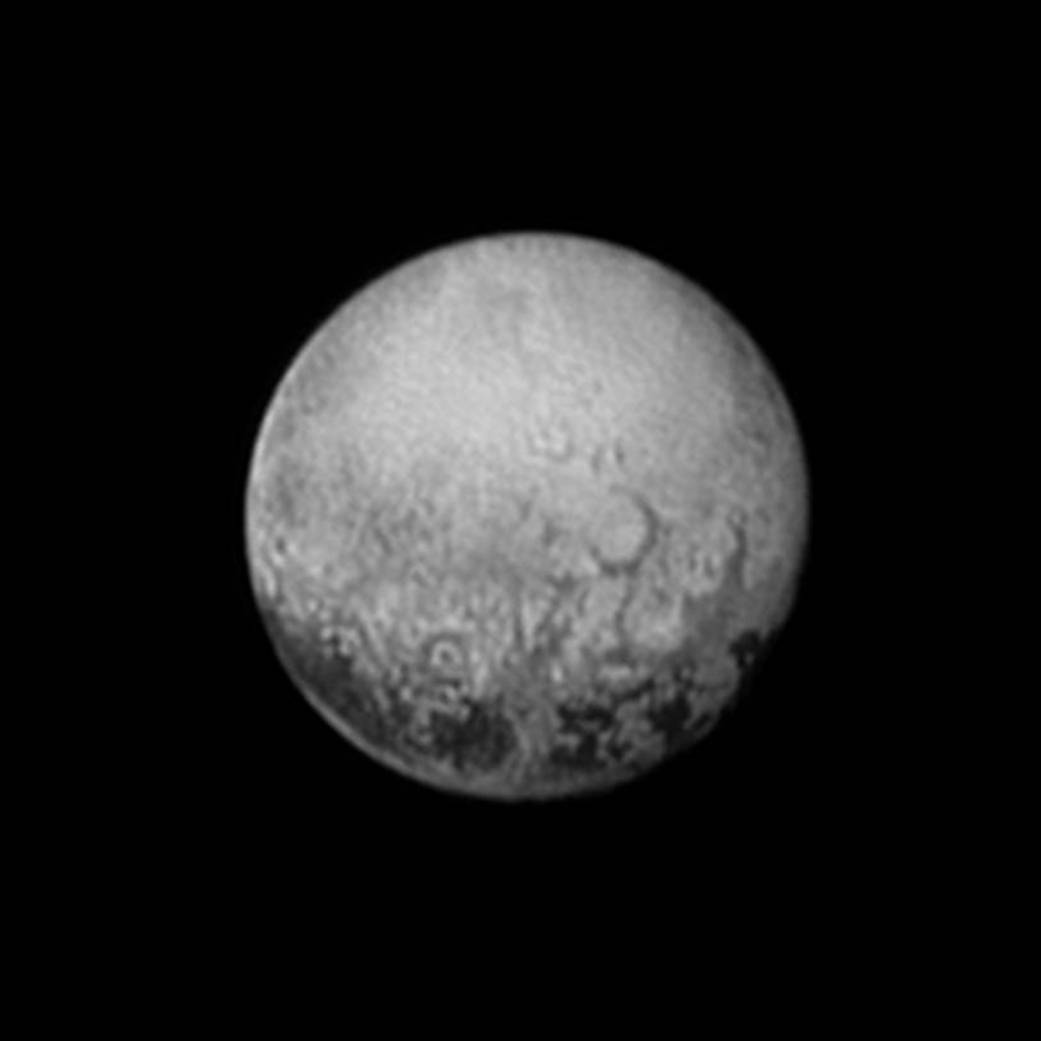New Horizons Photograph Of Pluto Shows Surface Features